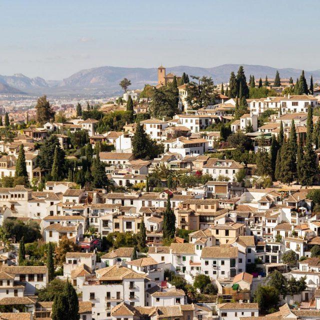 Feliz lunes desde la bonita Granada Cul es vuestra ciudadhellip